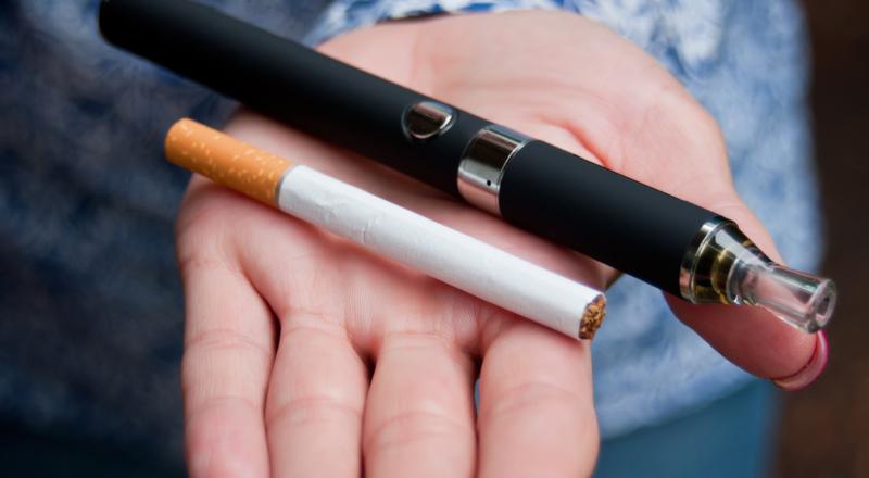 Palisz e-papierosy? Naukowcy są zgodni, że vaping może…