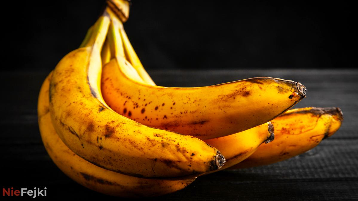Banany z plamami pomogą Ci szybko pozbyć się…