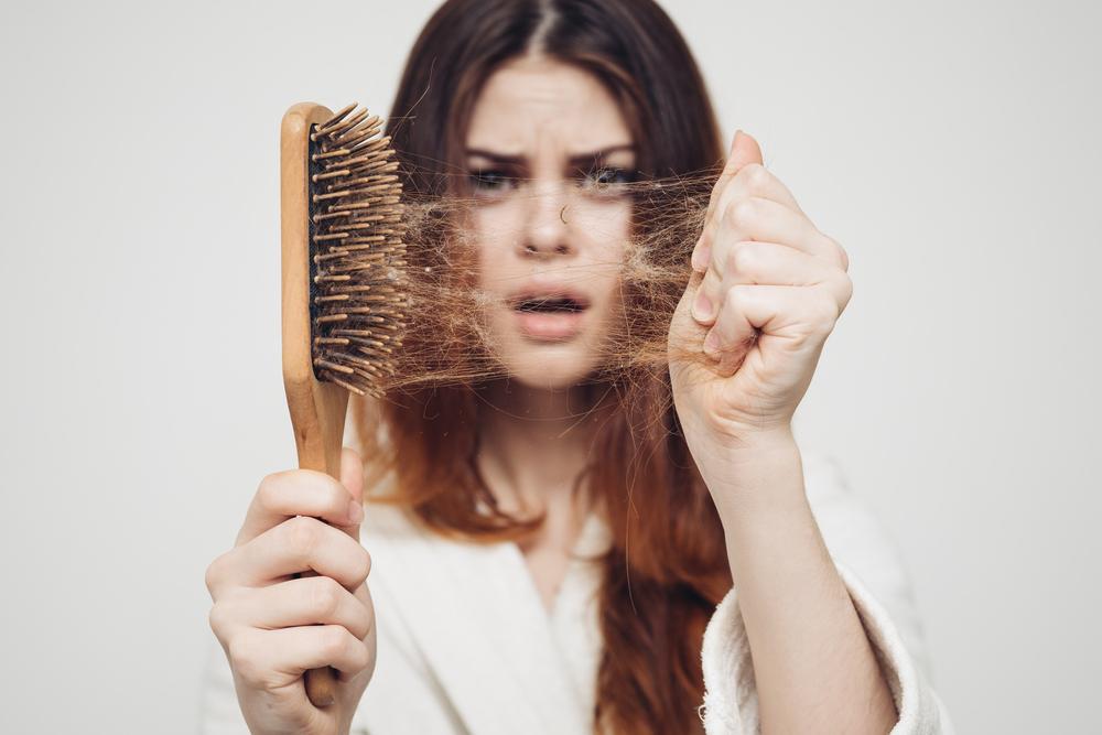 Profolan – kontrowersyjny preparat na wypadanie włosów o wysokiej skuteczności