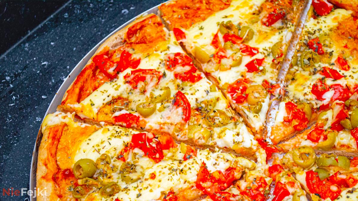 Jak zrobić prawdziwą włoską pizzę? Kilka prostych sposobów!