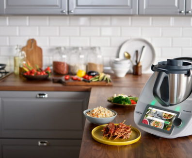 thermomix_in_ktichen_landscape-with-screen-720×720