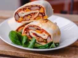 Wegetariańskie burrito z ryżem – Pink Envelope